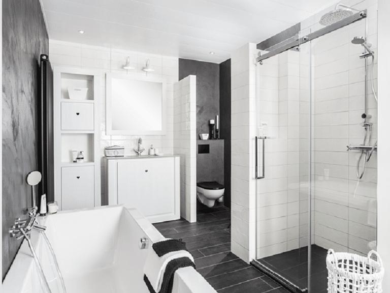 Romantisch, stoer en eigentijds: de nieuwe badkamer van Riverdale!