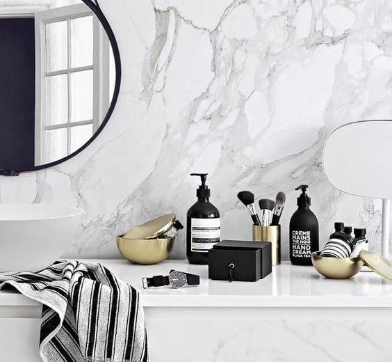 Marmer maakt comeback in de badkamer