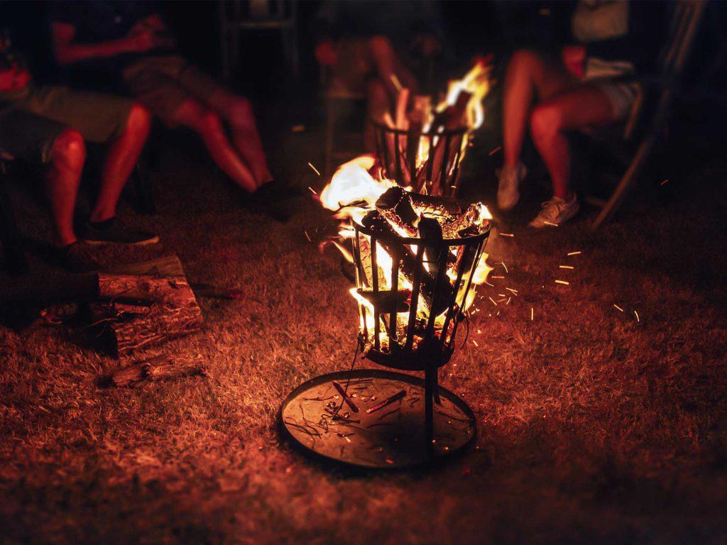 Een vuurkorf is sfeervol, maar belastend voor het milieu.